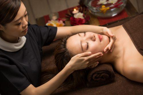 Lift-up auto-massage avec l'acupuncture de beauté sans aiguille Bi-baly